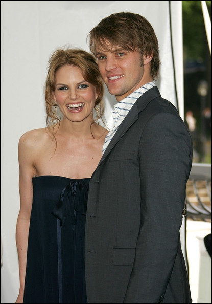 Dans quelle série se sont rencontrés Jennifer Morrison et Jesse Spencer ?