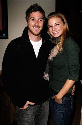 Dans quelle série se sont rencontrés Dave Annable et Emily VanCamp ?