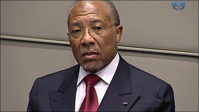 De quel Etat Charles Taylor, condamné le 26 avril pour  crimes contre l'humanité  et  crimes de guerre , a-t-il été le président ?