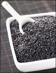 C'est une céréale qui fut longtemps interdite par tradition, en raison de sa couleur, et réservée au seul Empereur...