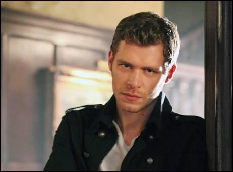 Qui a permis à Klaus de se retrouver dans le corps de quelqu'un d'autre ?