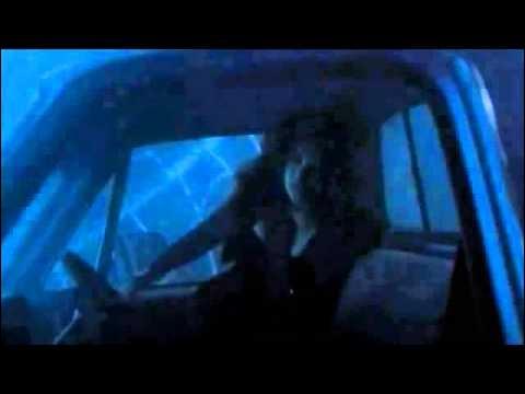 Dans l'accident des flashbacks qui a refusé obstinément d'être sauvé avant l'autre ?