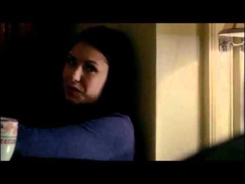 Pourquoi Matt a-t-il drogué Elena ?