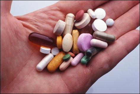 Science : Quel mot désigne un médicament neutre et sans effet, utilisé à des fins de contrôle par le chercheur ou le médecin ?