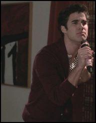 Blaine a plusieurs fois été bourré dans la série. Parmis ces réponses, il y a une chose qu'il n'a jamais fait. Laquelle ?