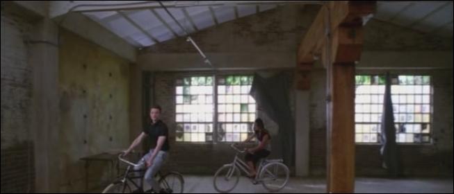 Saison 4 épisode 2 : Ou Kurt et Rachel emménagent-ils ?