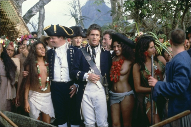 Après un mois de traversée périlleuse, la tyrannie du Capitaine William Bligh pousse l'équipage de ce navire à la révolte. La mutinerie est menée par Christian Fletcher.