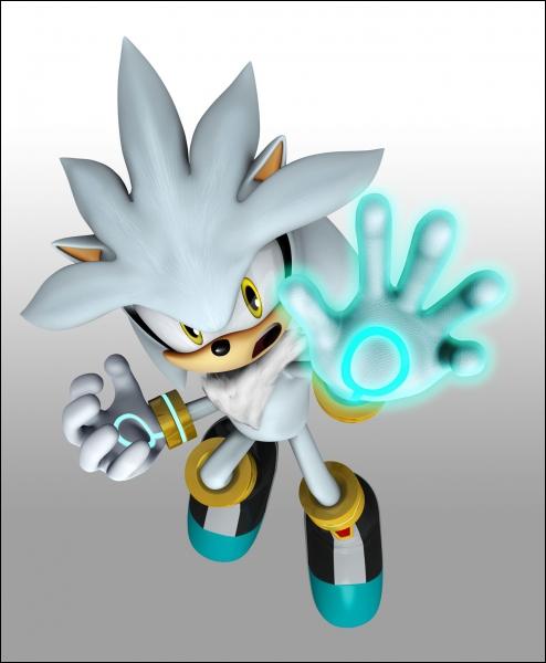 Comment s'appelle la meilleure amie de Silver ?