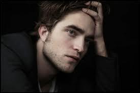 Quel est le nom complet de Robert Pattinson ?