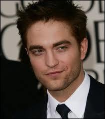 Qui double la voix de Robert Pattinson ?