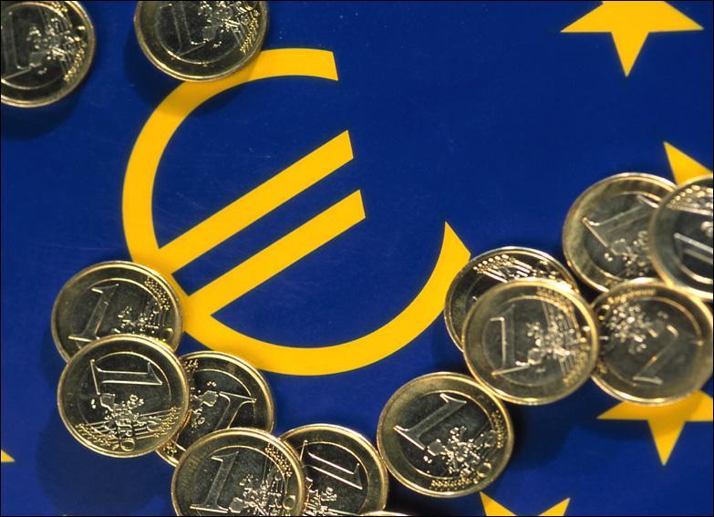 Dans l'Union Européenne, combien de pays n'adhèrent pas à l' €uro ?