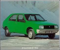 Quelle voiture a été surnommée la Poire en raison d'une campagne publicitaire où sa ligne était comparée à celle d'une poire ?