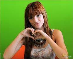 Bella Thorne et Zendaya ( CeCe et Rocky Shake It Up )