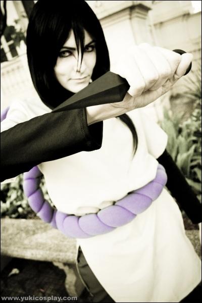 Ancien élève d'Hiruzen, il fuit Konoha afin d'aboutir à ses recherches sur les Kinjutsu...