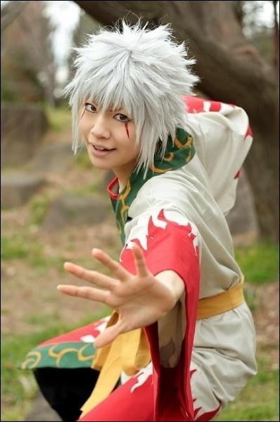 Il se dit l'ermite des crapauds, il est le maitre de Naruto mais il fut tué par Pain...