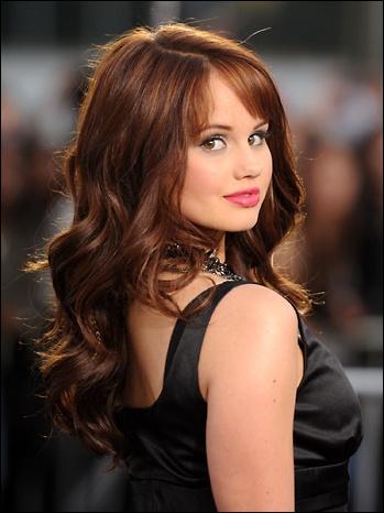 Dans la série Jessie, l'actrice Debby Ryan joue le rôle de...