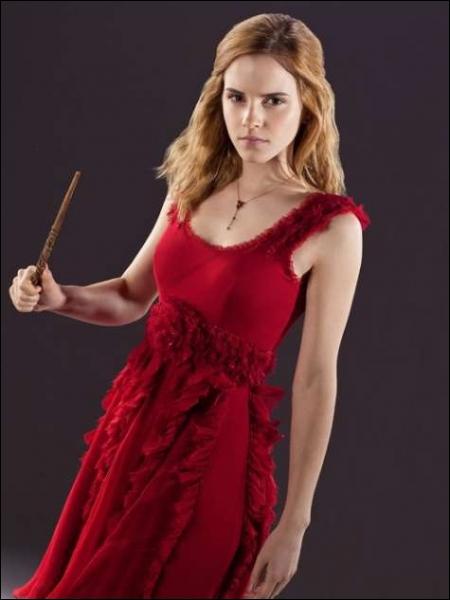 La baguette d'Hermione est en :