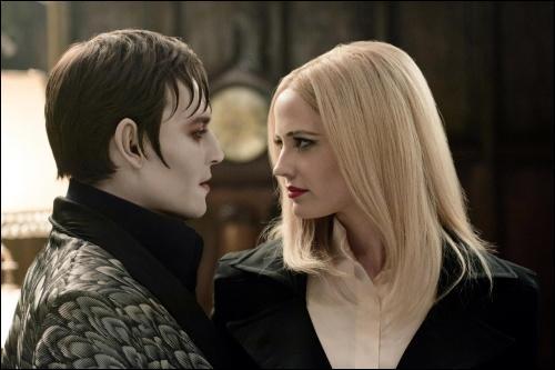 Barnabas a été transformé en Vampire par...