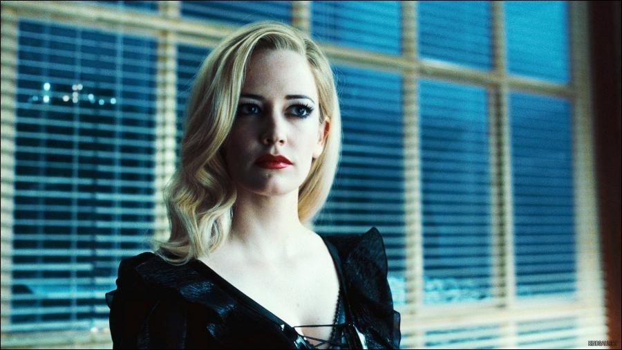 Quelle actrice joue le rôle de Angie ?