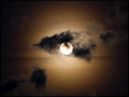 Quelle est la suite : Lune ...