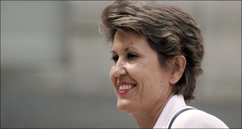 Elle a été Ministre de l'Outre-mer , voici Madame ...