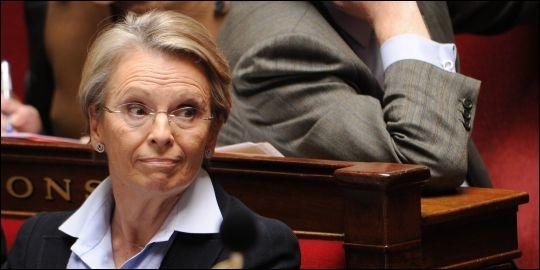 Elle a été Ministre de la Jeunesse et des Sports Ministre de la Défense ministre de la Justice et des Libertés ministre des Affaires étrangères , voici Madame ...