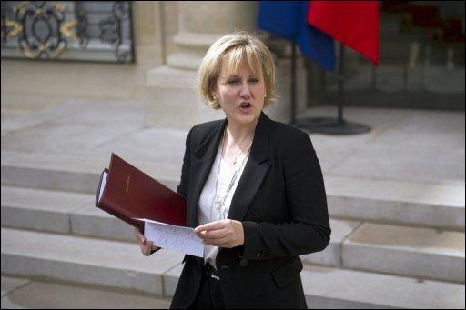 Elle a été Ministre chargée de l'Apprentissage et de la Formation professionnelle , voici Madame ...