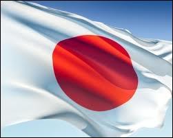 Le Kokki est le drapeau japonais. Il porte en son centre un disque rouge, qui représente le disque solaire. Pour quelle raison ?