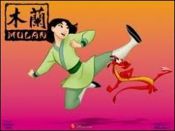 Comment s'appelle le petit dragon qui protège Mulan ?