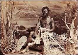 Ce ne sont pas les  blancs  britanniques déportés et leurs gardiens qui furent les 1ers habitants, mais les aborigènes. Quelle est l'origine de ceux-ci ?