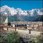 Quelle ville italienne est la plus proche de la France ?