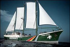 En juillet 85, les services secrets français de la DGSE faisaient sauter le Rainbow Warrior de Greenpeace dans le port...
