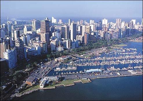 2e étape : On traverse l'océan Indien pour atterrir en Afrique. Quelle ville d´Afrique du Sud se trouve sur les côtes de l'océan Indien ?