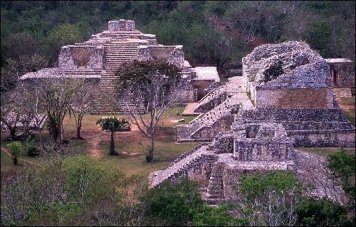 Où pourrez-vous admirer ces vestiges de monuments, construits par des mayas ?