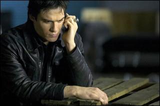 Quels sont les derniers mots que dit Elena à Damon avant de mourir ?