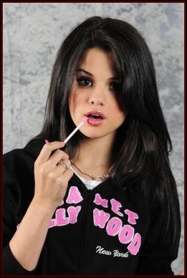 Quel est le second prénom de Selena ?