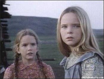 Et voilà les (increvables ! ) soeurs Ingalls : Marie l'aînée et Laura. Laquelle des deux soeurs sera l'épouse d'un avocat ?