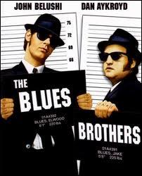 Joliet et Elwood, joués par Dan Ackroyd et John Belushi, sont les héros d'un film inspiré par un sketch de l'émission comique américaine à laquelle ils participaient : Saturday night live