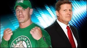 Qui est le vainqueur entre John Cena et John Laurinatis ? (Pas de disqualification et pas de décompte à l'extérieur)