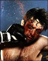 Perfectionniste à l´extrême, il apprendra à boxer et prendra 30 kg pour jouer le rôle de Jack La Motta. Ça lui vaudra l´Oscar du meilleur acteur.