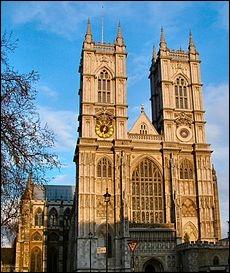 Où les rois du Royaume-Uni sont-ils couronnés ?