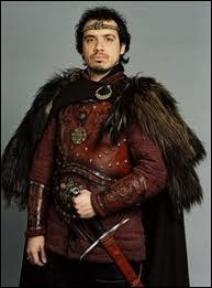 Quel est le nom du roi de Bretagne, héros de la série ?