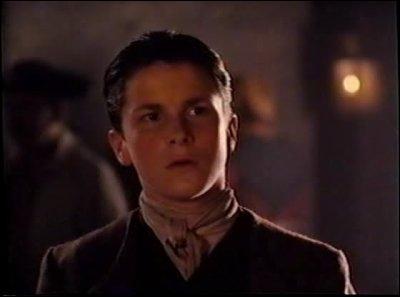 Quel acteur, ayant interprété Batman récemment, a interprété Jim à ses débuts au cinéma (dans l'adaptation de 1990) ?
