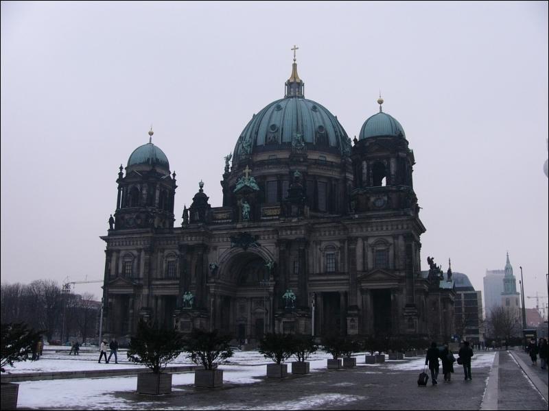 Pour visiter cette cathédrale, le Berliner Dom, il vous faudra partir ...