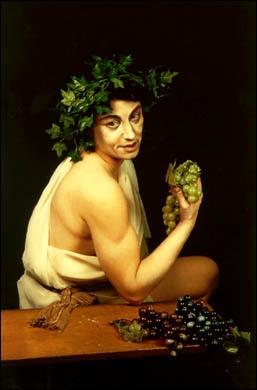 Nom romain du Dieu grec Dyonisos, Dieu de la vigne et de l'ivresse.