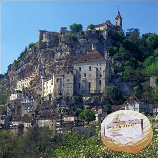 Fromage de chèvre au lait cru entier, appartenant à la famille des cabécous, produit principalement dans le Quercy et le Périgord ... .