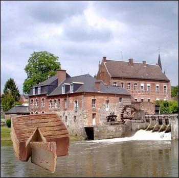 Fromage fabriqué en Avesnois. Il tient son nom d'un village d'où il est originaire et où existait jadis une importante abbaye dans laquelle les premiers fromages furent affinés... .