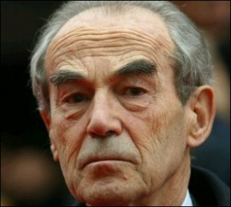 Avocat et homme politique français. Il est l'un des instigateurs de l'abolition de la peine de mort. Robert...