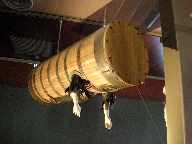 John Lethbridge a inventé l'une des premières machines de plongée sous-marine. Il est possible de faire un parallèle entre la machine de Lethbridge et une invention contemporaine. Laquelle ?