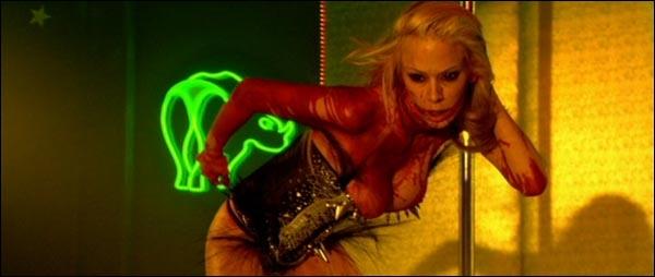 Quelle(s) star(s) du X prendra(ont) un rôle dans ce film assez étrange avec des zombies stripteaseuses ?